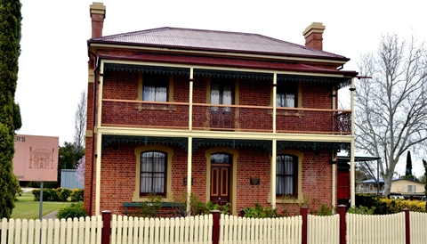station-master-cottage-culcairn1.JPG