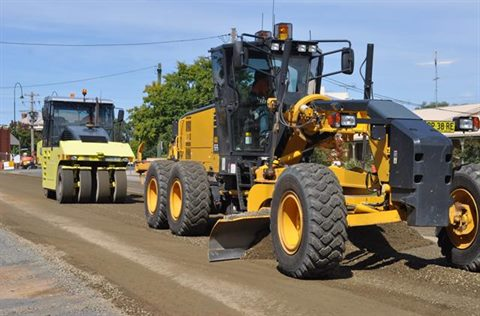 Greater Hume Council grader and roller at work..jpg